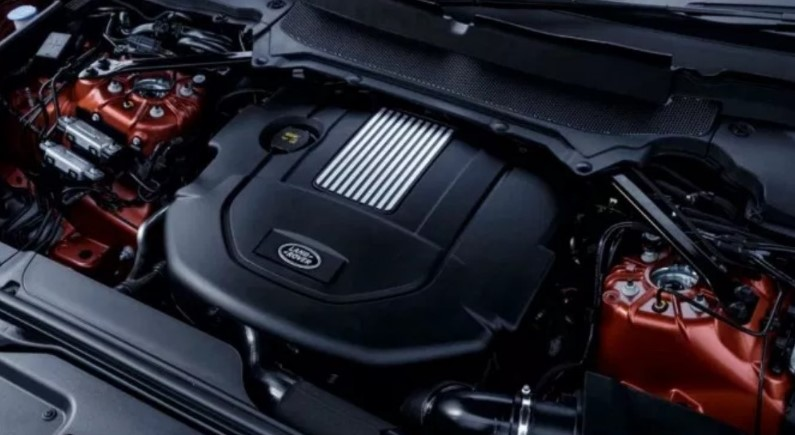 2021 Land Rover Discovery SVX Engine